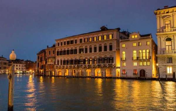 "Palazzina Grassi ""The Place to be"" of the 75th Venice Film Festival"