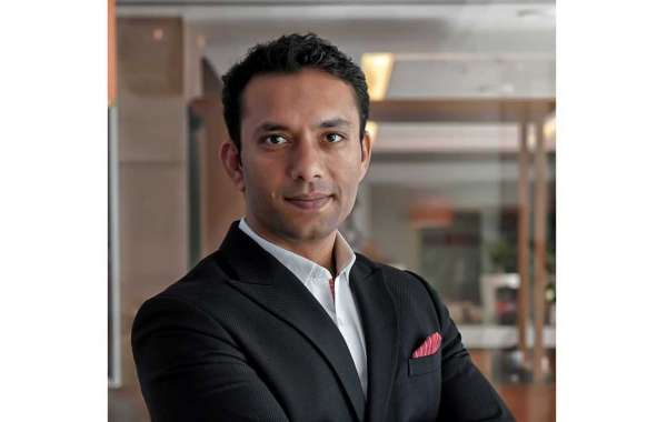 R Hotels Appoints Commercial Director for Dubai Properties