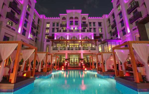 Dine Under the Stars for the Ultimate Rendezvous in 3in1 at Vida Downtown