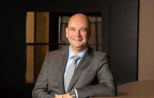 James Thompson Appointed as Director, Food and Beverage, Fairmont Dubai