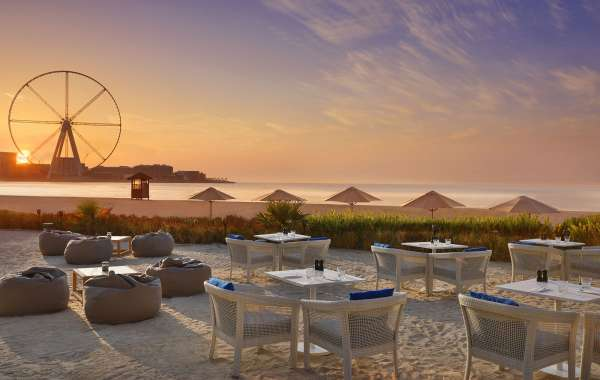 Enjoy the Last of the Cooler Evenings with a Brunch on the Beach: Chill & Grill at the Ritz-Carlton, Dubai, JBR