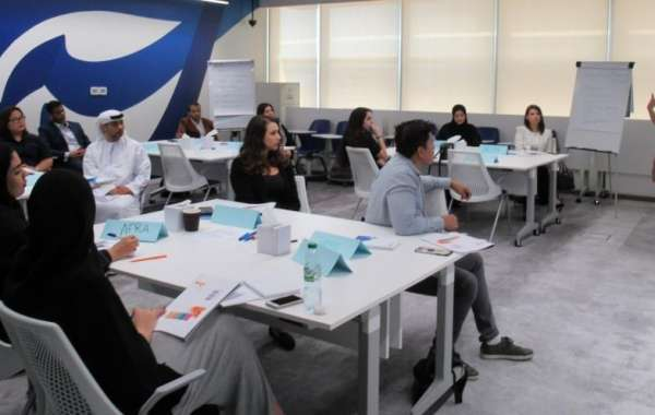 Dubai College of Tourism Introduces Short Courses in Customer Service and Negotiation Skills