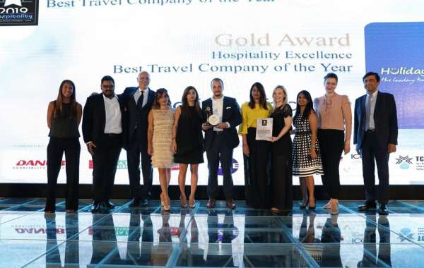Holiday Factory Wins Travel Company of the Year!