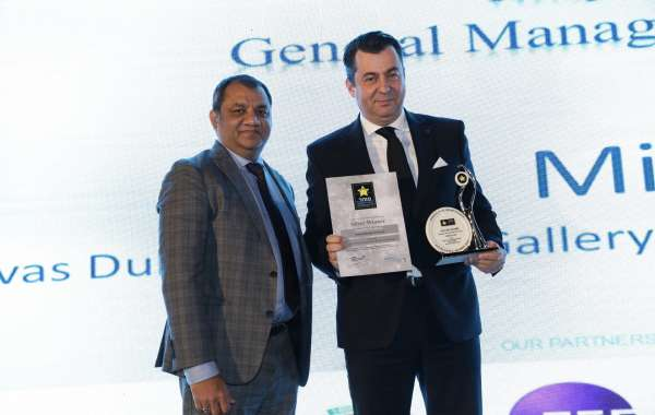 Mirco Iada, Hospitality Excellence General Manager of the Year Silver Awards