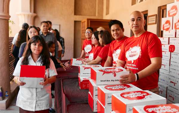 """Box Appeal"" Campaign of Radisson Hotel Group Distributes 9,000 boxes to UAE labourers"