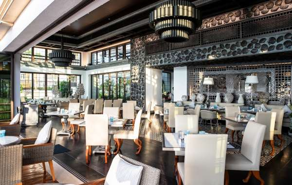 Jumeirah Al Naseem: Rochfish Welcomes Back its Friday Lazy Lunch