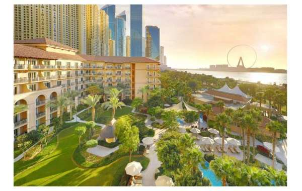 Enjoy an Exclusive Staycation Experience at The Ritz-Carlton, Dubai in JBR