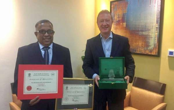 Two Seasons Hotel Recognized by Emirates Environmental Group for Recycling Initiatives