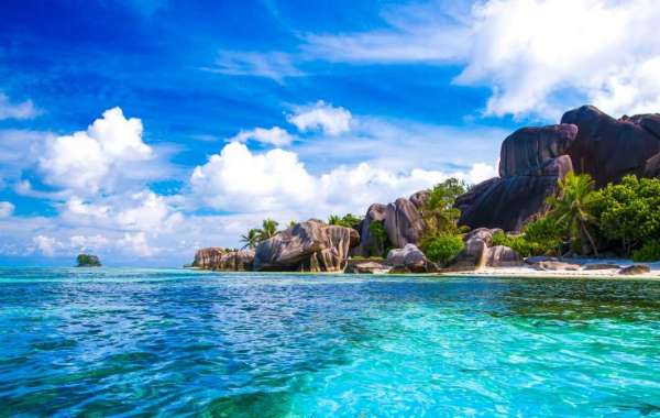 Plan a Quick Escape this Summer to Seychelles with Emirates